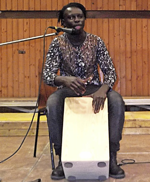 Sarja JOE brachte afrikanische Rhythmen in die Wutachhalle.  | Foto: Gertrud Rittner