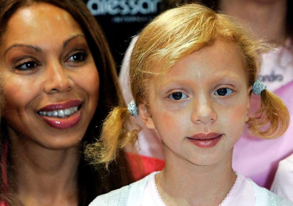 Anna Ermakowa (r) und ihre Mutter Angela im Jahr 2007.  | Foto: A3637 Jörg Carstensen