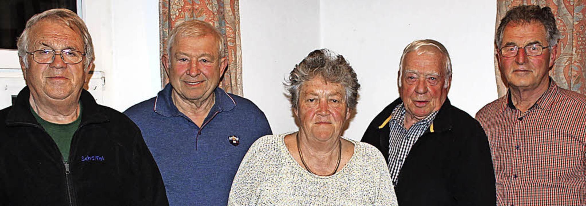 Die Gründungsmitglieder Helmut Kanzing...gen, von links) sind immer noch aktiv.  | Foto: Mario Schöneberg