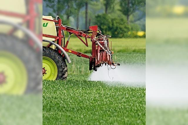 Hauk sieht keine Probleme bei Pestiziden