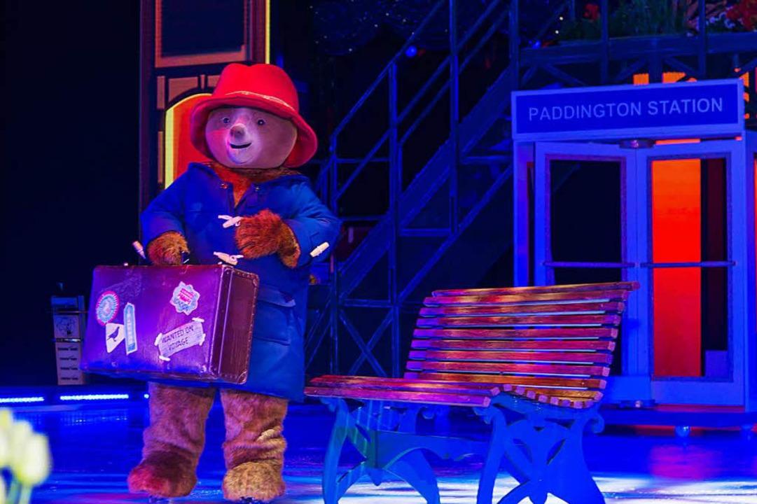 Paddington auf Eis: Dem knuffeligen Bär ist eine eigene Ice-Show gewidmet.  | Foto: Olaf Michel