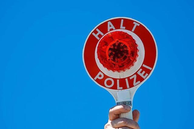 Autofahrer beleidigt Lörracher Polizeibeamte im Vorbeifahren