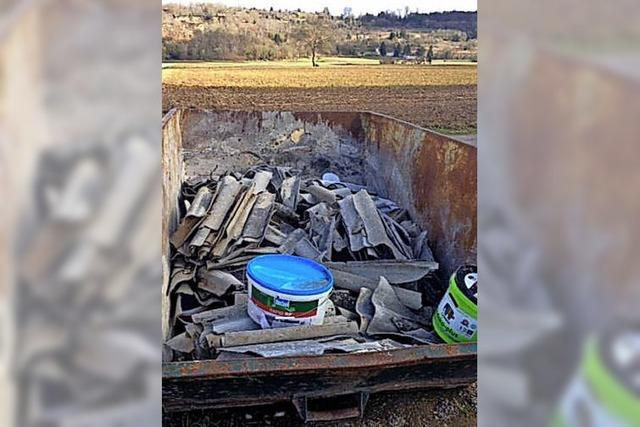 Asbestplatten illegal entsorgt