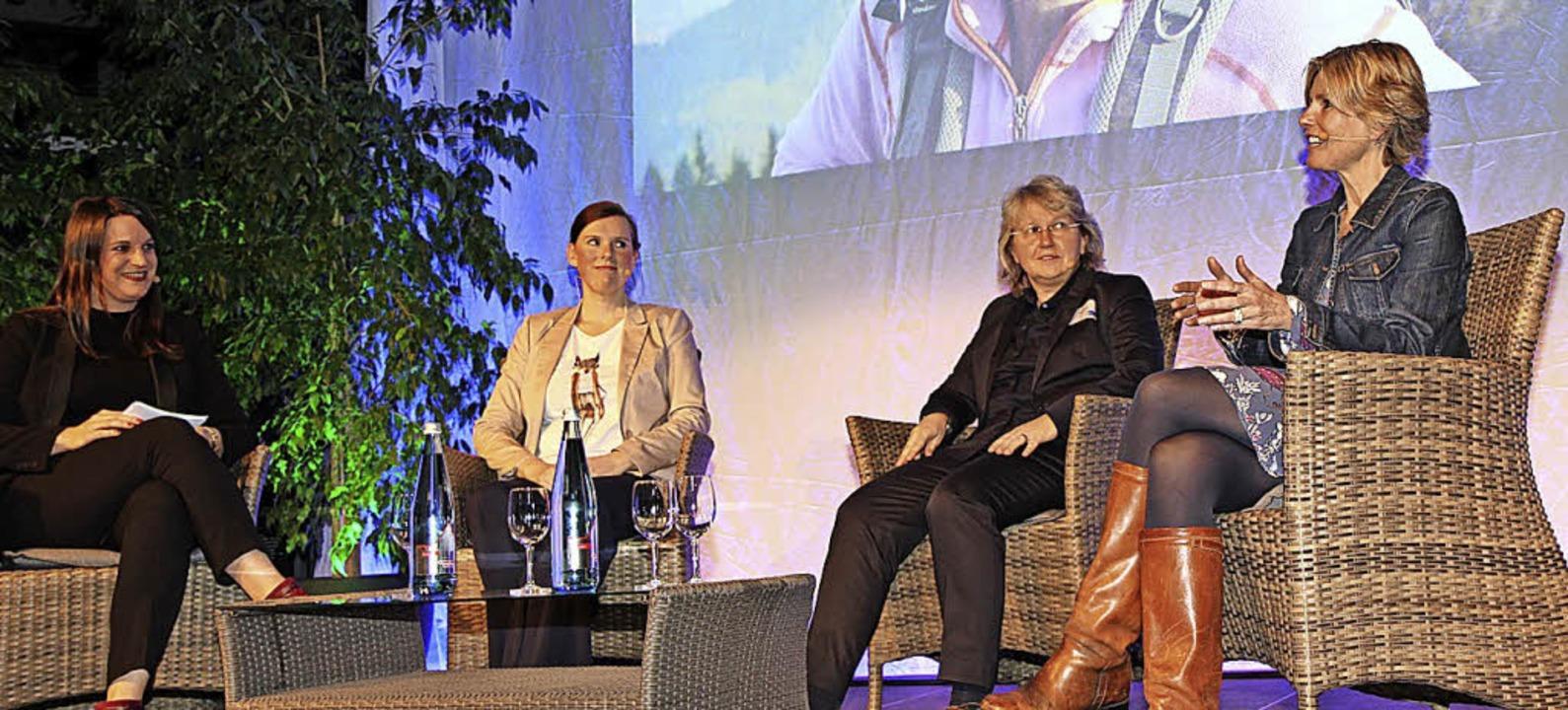 Julica Goldschmidt, Moderatorin, mit S...Bauer und  Anja Bauer-Harz (von links)  | Foto: Dagmar Barber