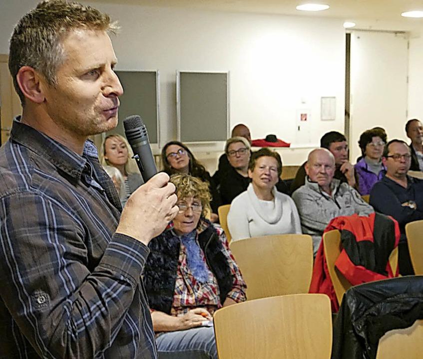 Interessierte konnten bei der Infovera...e  im Foyer der Sasbacher Schule leer.  | Foto: Ch. Hülter-Hassler