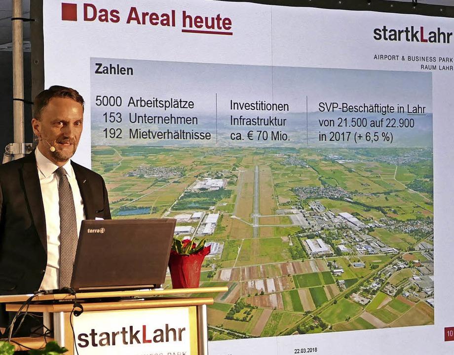 Markus Ibert präsentiert beeindruckende Zahlen zum Startklahr-Areal.   | Foto: Mark Alexander