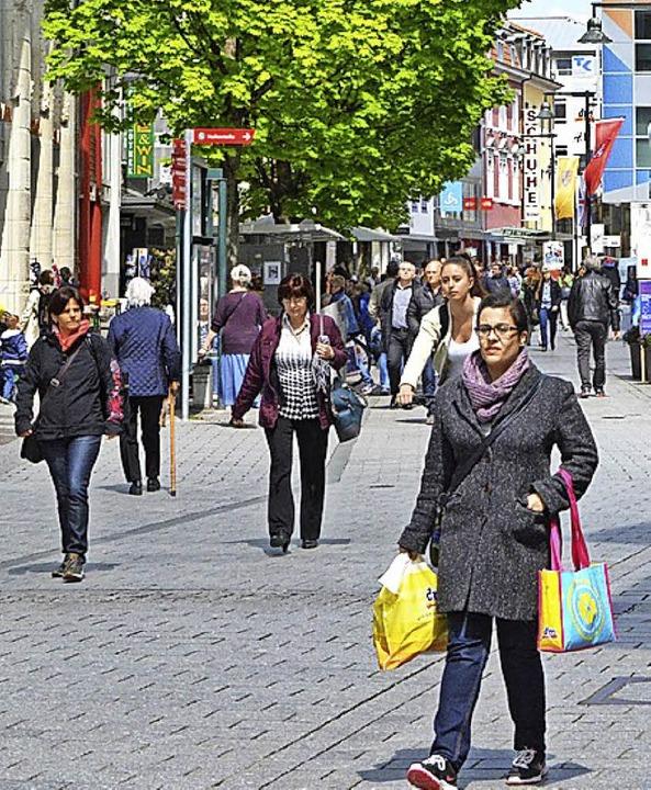 Die Einkaufsstadt  Lörrach zieht an.  | Foto: Barbara Ruda