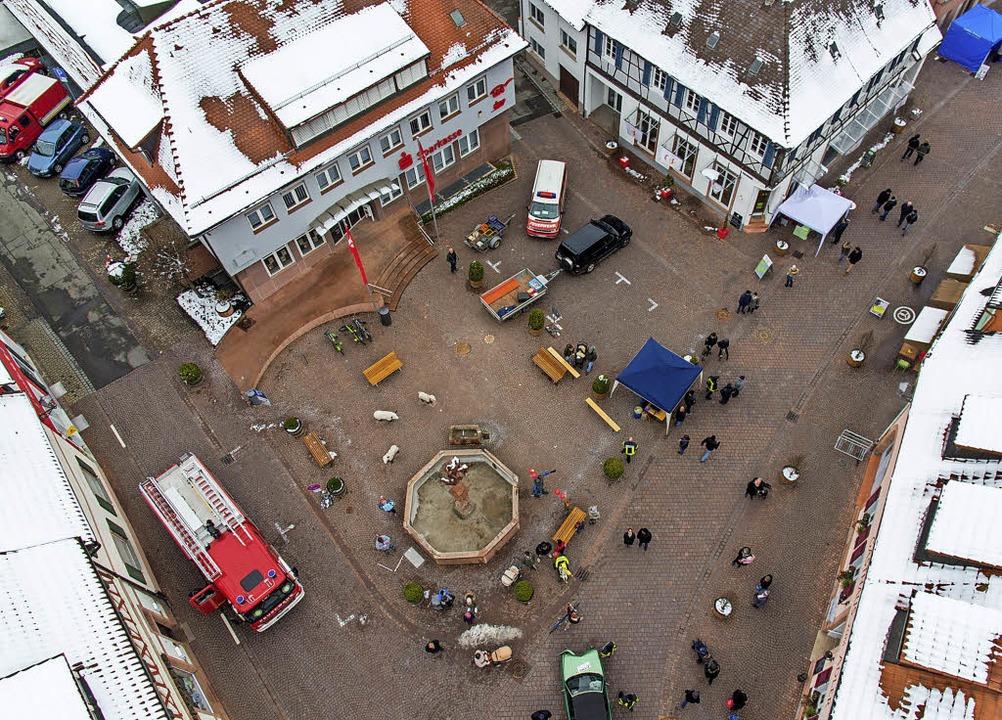 Der Marienplatz aus der Vogelperspekti...ür den Wochenmarkt freitagnachmittags.  | Foto: Olaf Michel