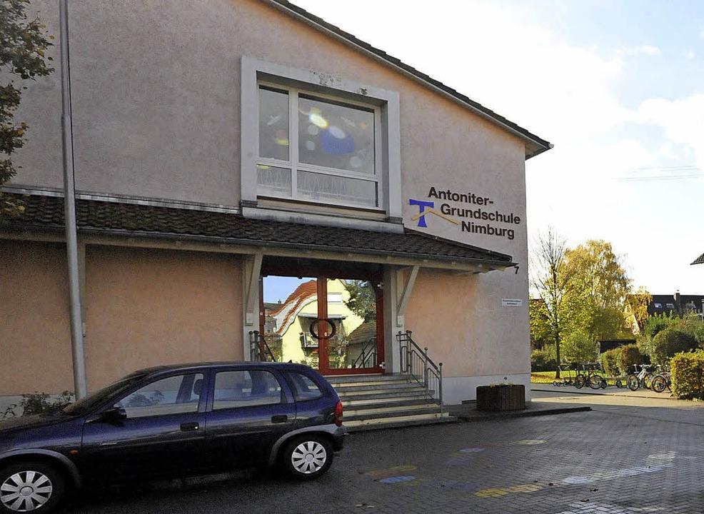 Die Antoniter-Grundschule in Teningen-...ürgermeister Heinz-Rudolf Hagenacker.     Foto:  MARKUS ZIMMERMANN