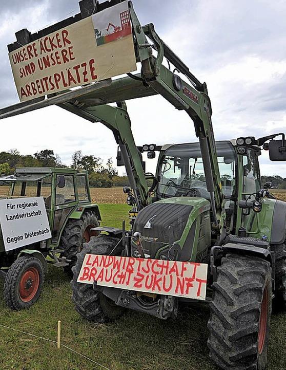 Bauern protestieren gegen den Stadtteil Dietenbach.    Foto:  bam