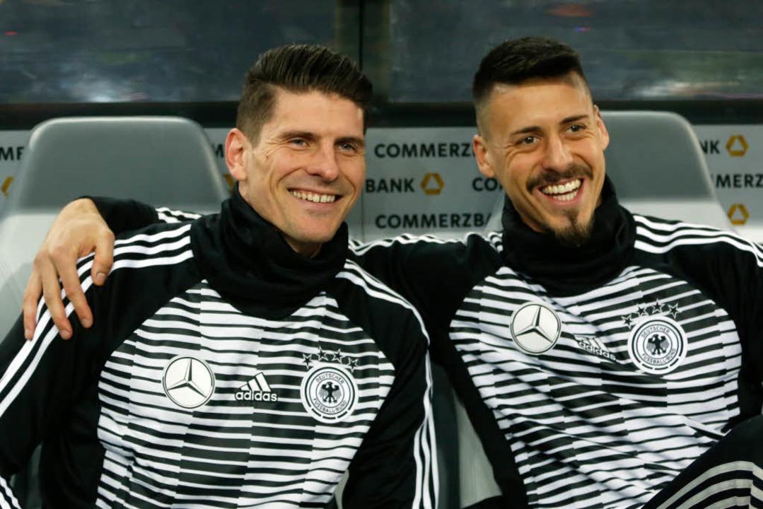 Mario Gomez und Sandro Wagner: Die bei...wurde in der 84. Minute eingewechselt.  | Foto: dpa