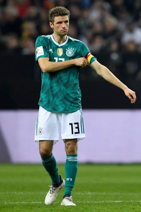 Thomas Müller mit Kapitänsbinde.  | Foto: dpa