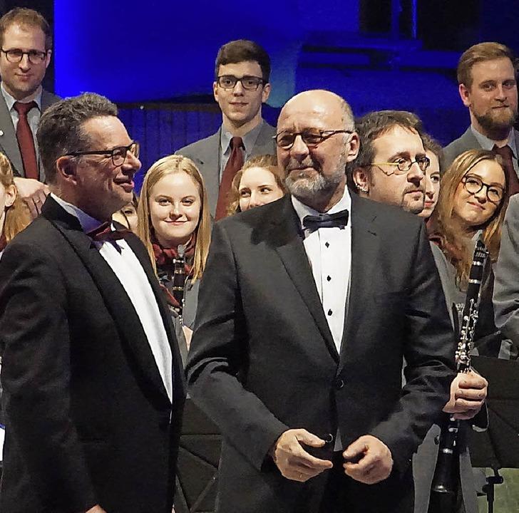 Das letzte Jahreskonzert unter Leitung...räsident endete mit Standing Ovations.  | Foto: Ilona Huege
