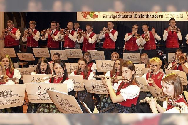 Fanfaren und warme Choralklänge