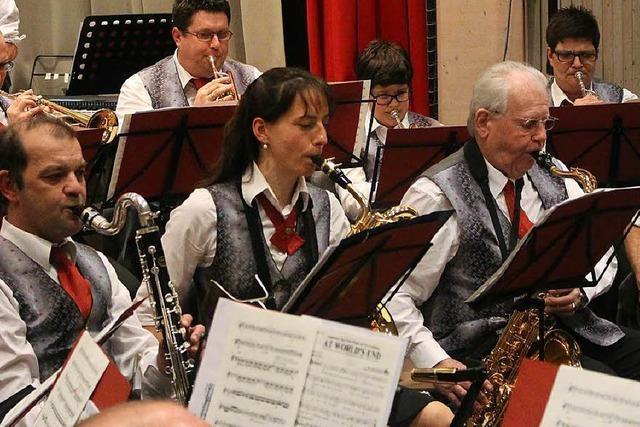 Hebelmusik Hausen: Klanggewaltiges Alpenpanorama