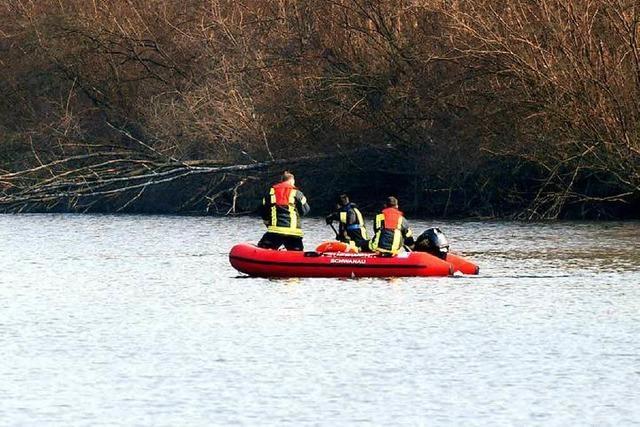 Kanufahrer findet Leiche in einem Seitenarm des Rheins
