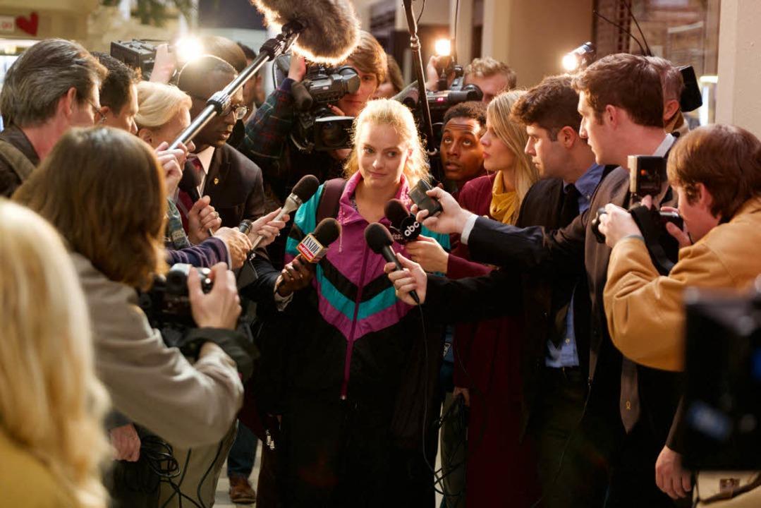 Tonya Harding (Margot Robbie) wird Mittelpunkt eines großen Medienskandals.  | Foto: DCM