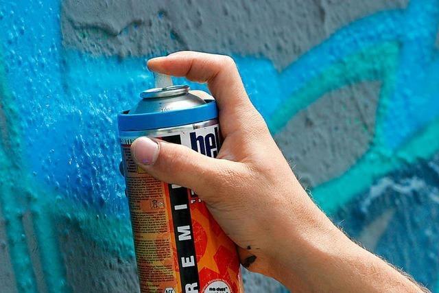 Bürger rennt Graffiti-Spayer hinterher