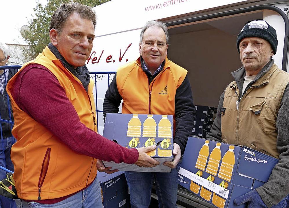 Osteraktion: Gerd Seyberth, Dieter Nag...n der Region  jährlich mit 6000 Euro.     Foto: Jasmin Bergmann