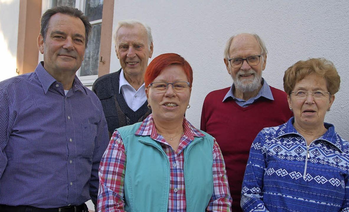 Die Leistungsbilanz stimmt: AWO-Vorsit...t, Wilhelm Hundorf und Gerlinde Hinz.   | Foto: Petra Wunderle
