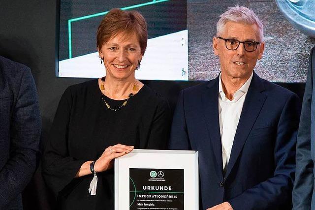 DFB ehrt Freiburger Step-Stiftung mit Integrationspreis 2018