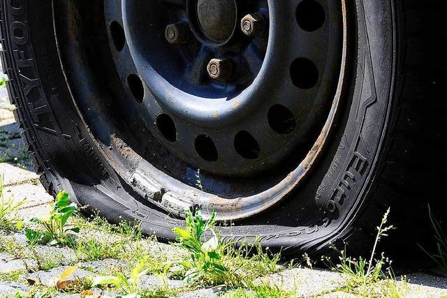 Mit plattem Reifen über die Grenze