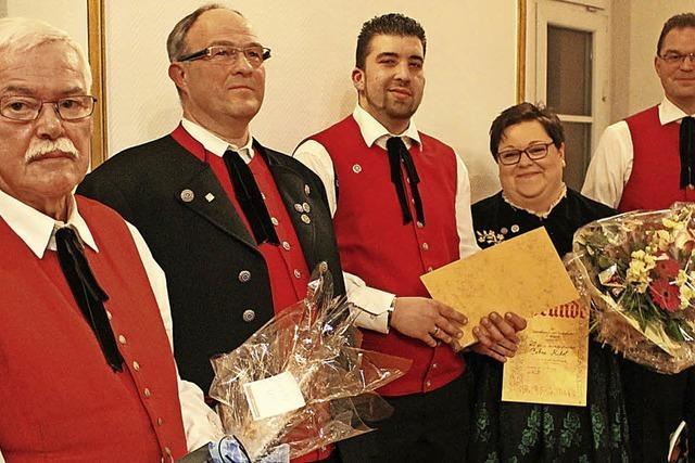 Stadtmusik ehrt treue Musiker