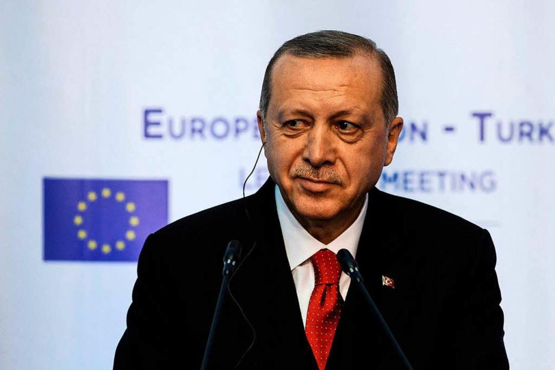Der türkische Staatspräsident Recep Ta...dogan beim Spitzentreffen mit der EU.   | Foto: DPA