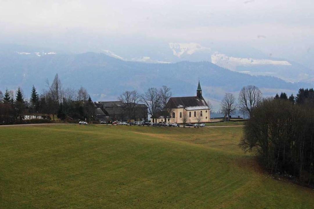 Aufgrund der Nähe zur Kirche Maria Lin...lick auf den Feldberg und das Ibental.  | Foto: Joshua Kocher