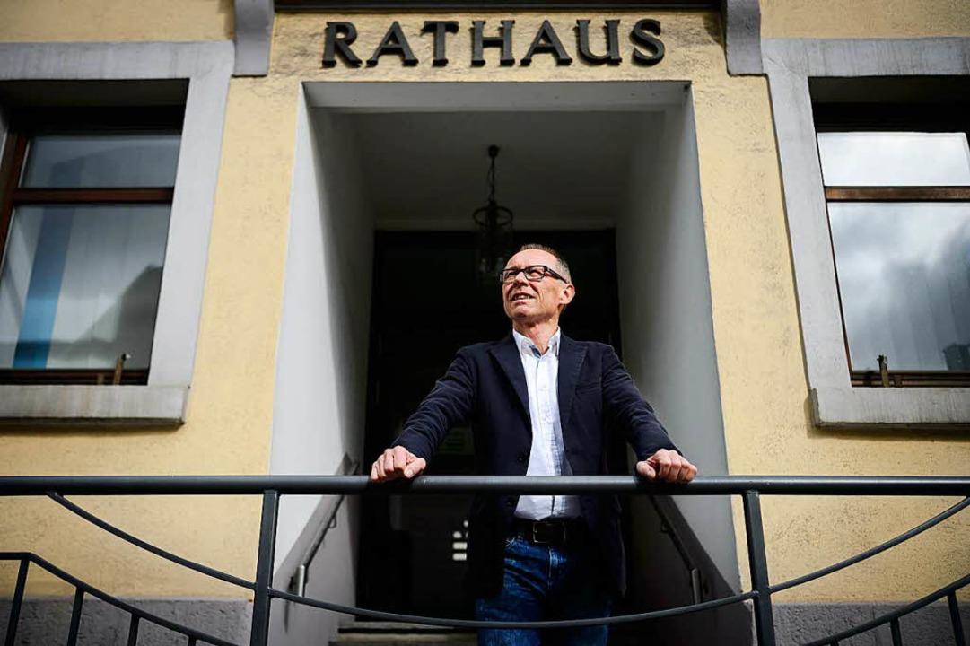 Burladingens Bürgermeister Harry Ebert ist in die AfD eingetreten.  | Foto: dpa