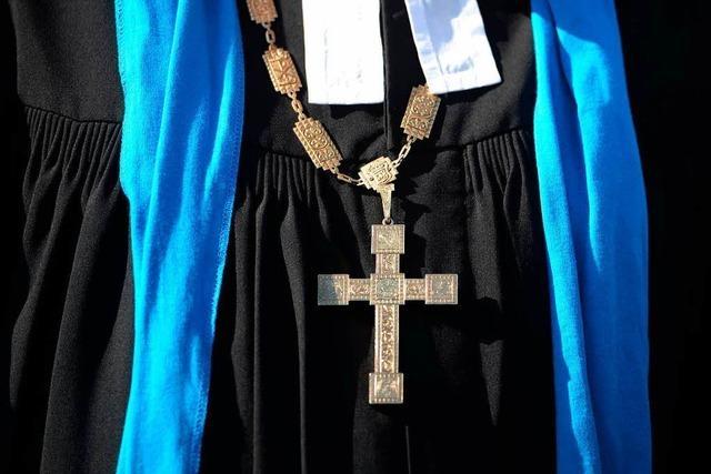Viele vakante evangelische Pfarrgemeinden – Hohe Mieten erschweren Suche