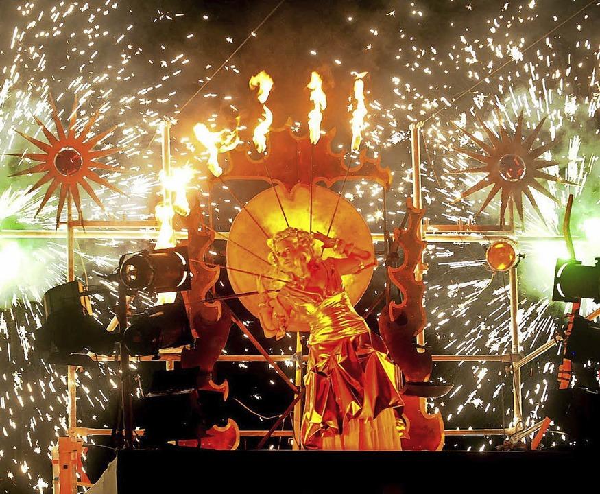 Spektakuläre Feuershow beim Seenachtsfest 2009    Foto: Wolfgang Künstle