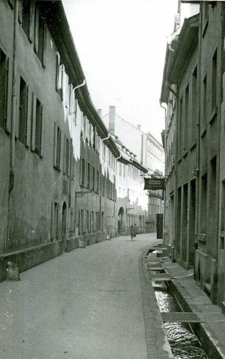 Die Gauchstraße von der Merianstraße nach Westen, damals (1944) und heute   | Foto: Augustinermuseum/Ingo Schneider