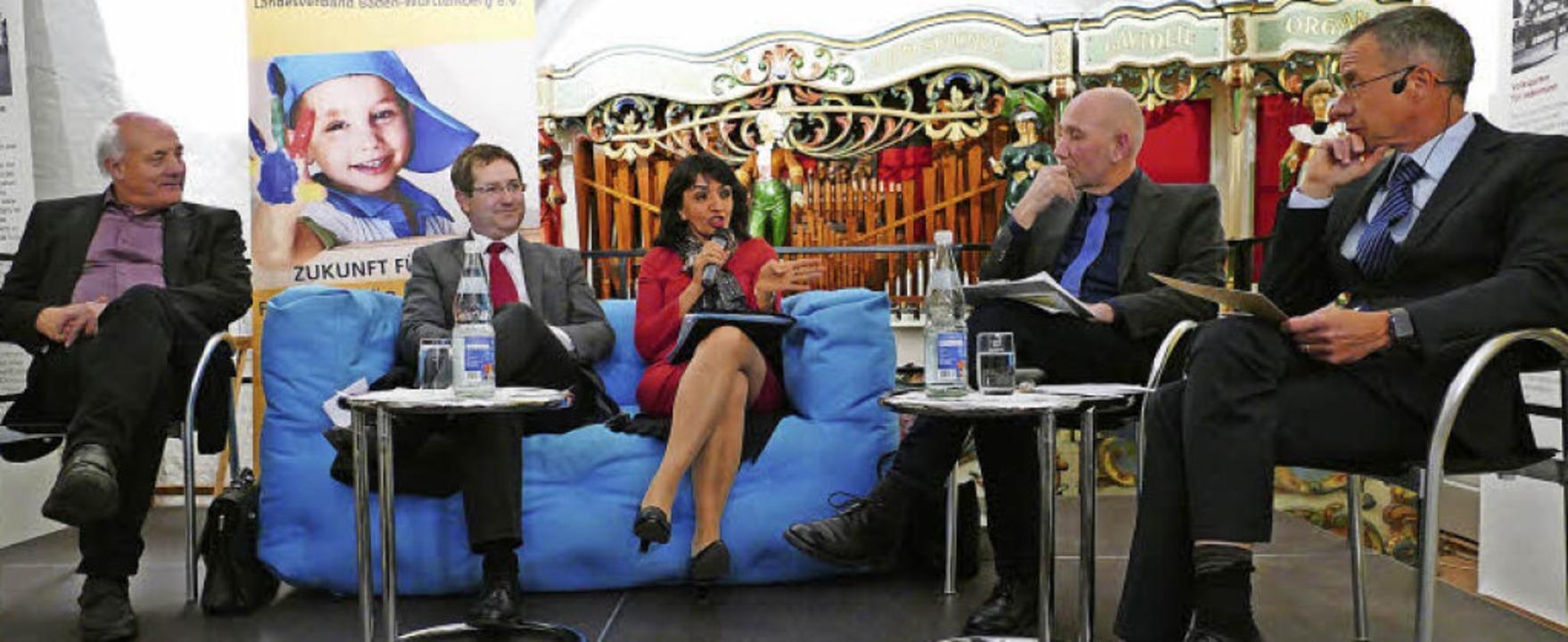 Die Gesprächsrunde von Alexander Schoc...ael Wehner als Moderator (von links).   | Foto: Sylvia Sredniawa