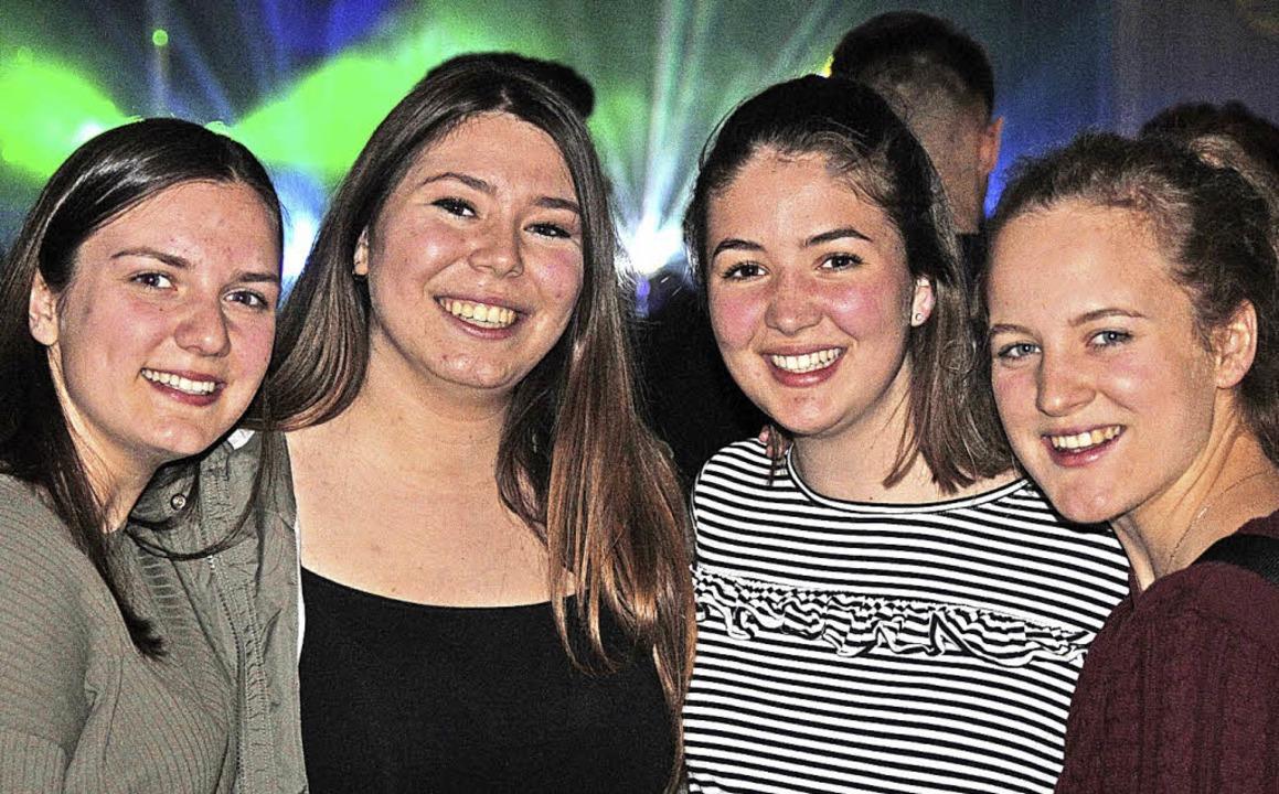 Gut gelaunt sind diese  jungen Damen in Adelhausen.   | Foto: Anna Uhlmann