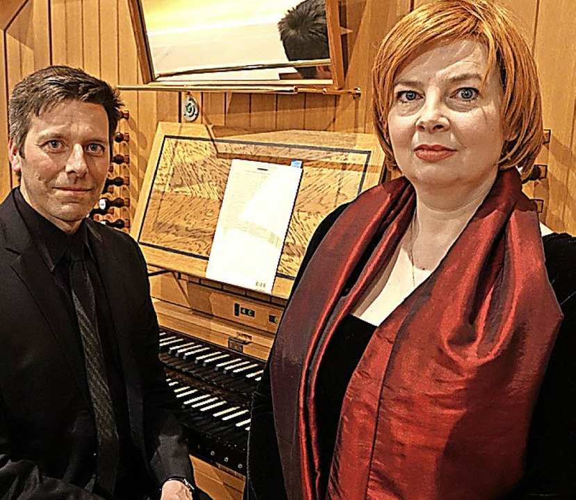Daniela Bianca Gierok und Organist Christoph Bogon.     Foto: R. Frey