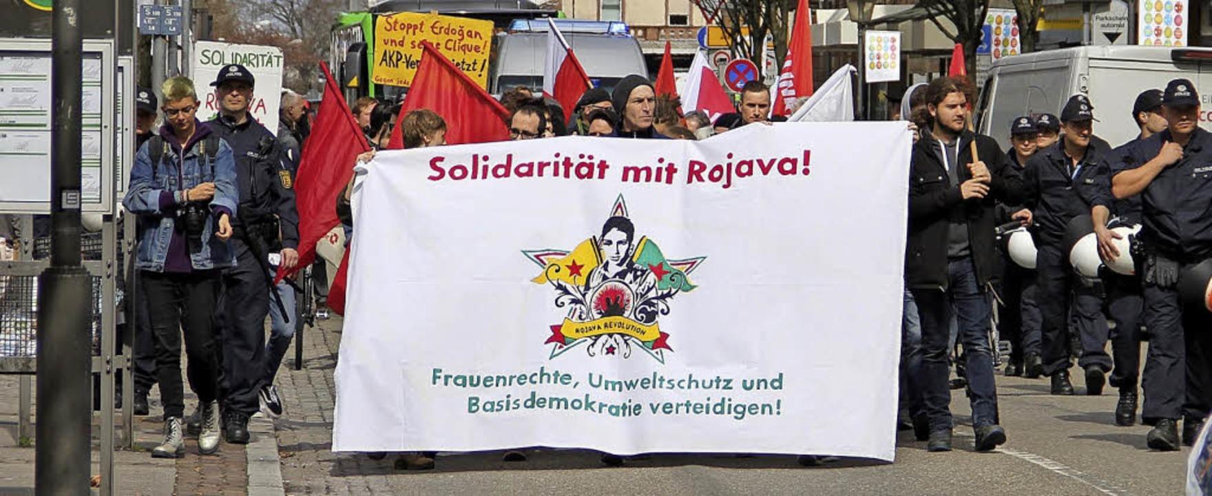 Vielfach waren die Anliegen der Teilnehmer des Ostermarsches.     Foto: Judith reinbold
