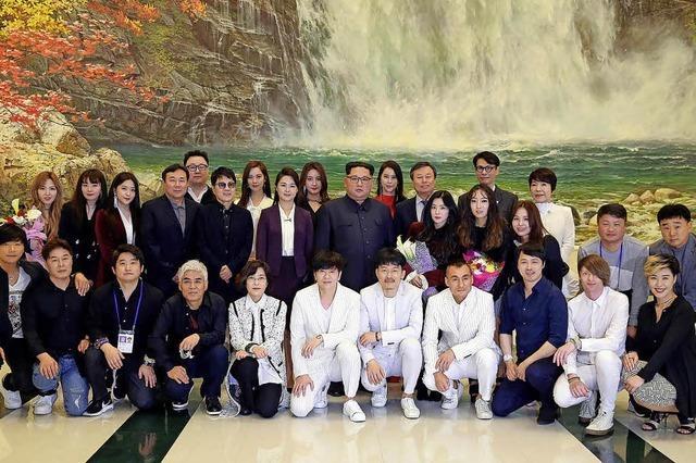 Gruppenbild mit Diktator