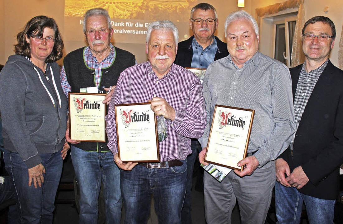 Die Aufsichtsratsvorsitzende Edeltraud...hätzle (40, hinten) und Josef Maurer.   | Foto: Mario Schöneberg