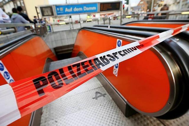 Zwei U-Bahnen stoßen in Duisburg zusammen – 35 Menschen involviert