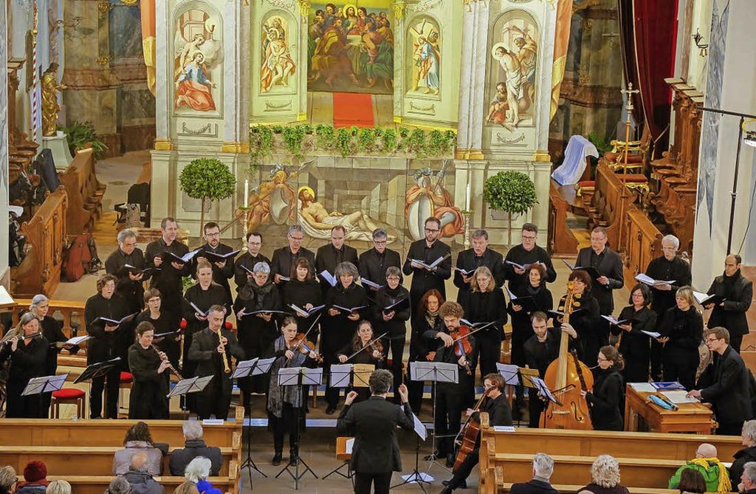 Imposantes Bild: Das Zürcher Vocalense...aum der Stadtkirche St. Bartholomäus.   | Foto: Sandra Decoux-Kone