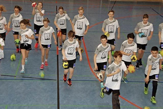Handballspiel aus erster Hand begeistert Jugend