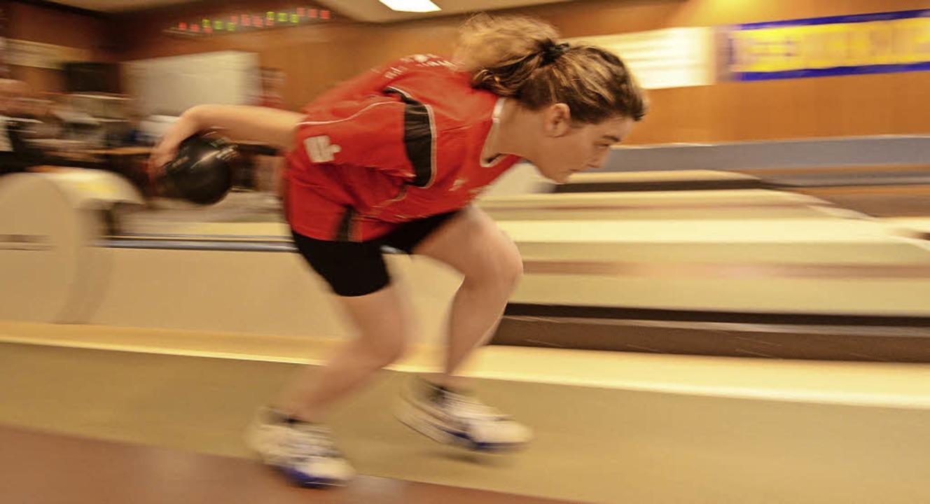 Kegeln ist ein dynamischer Sport und eignet sich für jede Altersgruppe.   | Foto: Patrick Seeger