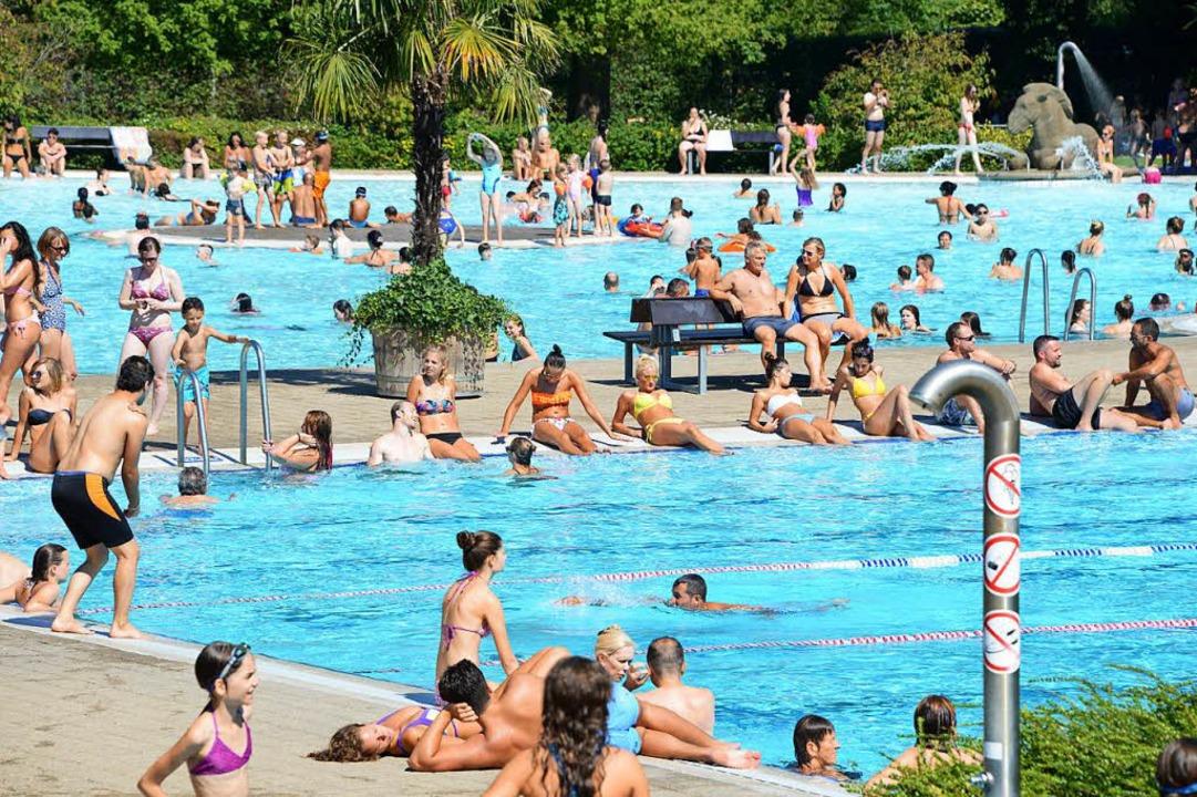 Am Freitag öffnet das Strandbad spontan.    Foto: Rita Eggstein