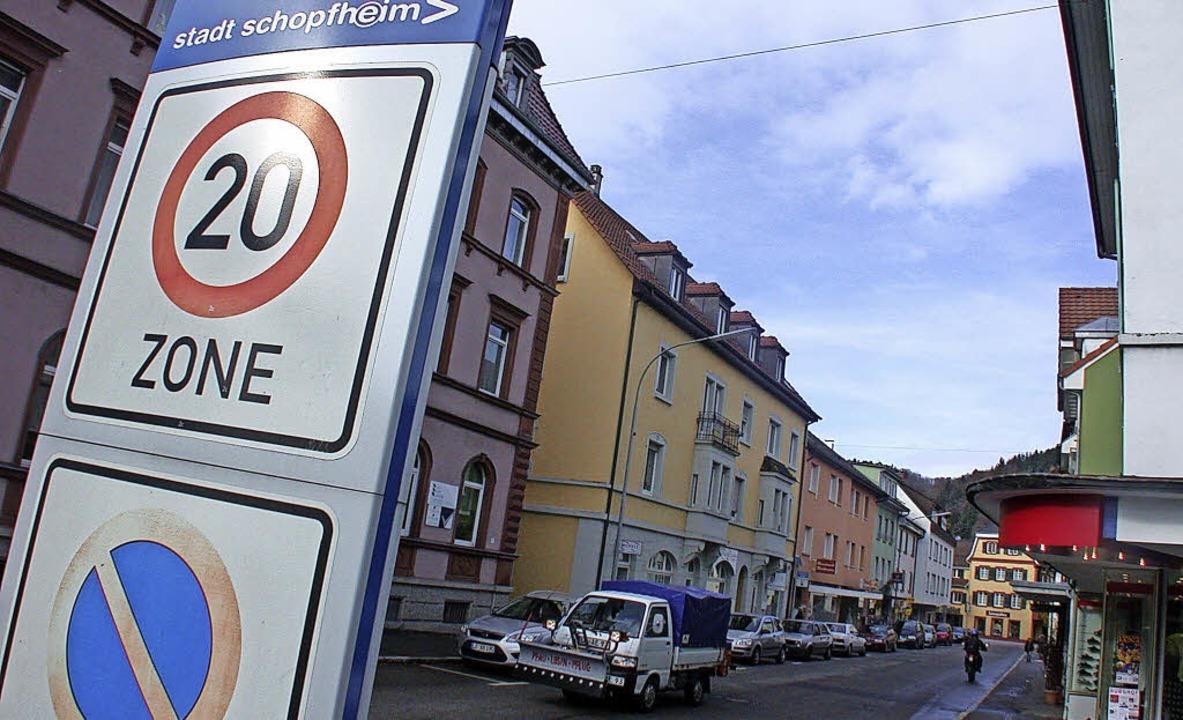 Wegweisendes soll der Gemeinderat am 2...mstäglichen Sperrung der Hauptstraße.   | Foto: André Hönig