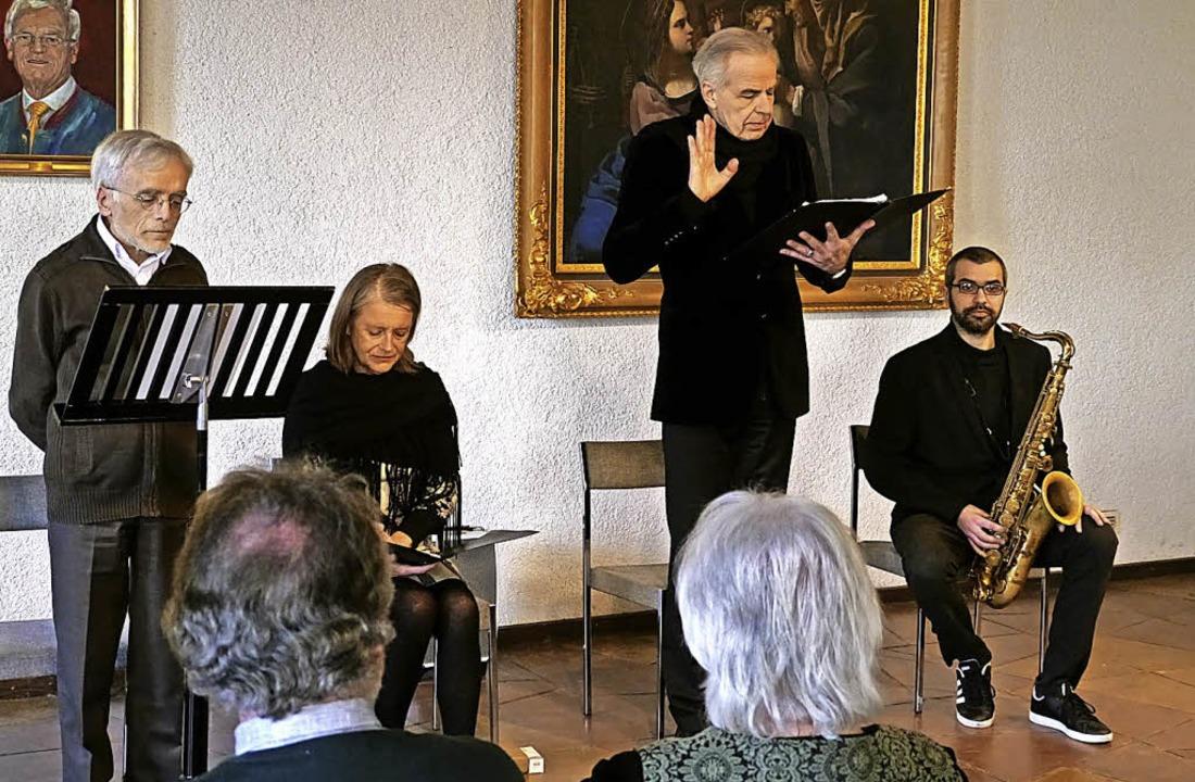 Charles Fichtner, Aline Martin, Jean L...ihrer Lesung in der Endinger Kornhalle    Foto: christel Hülter-Hassler