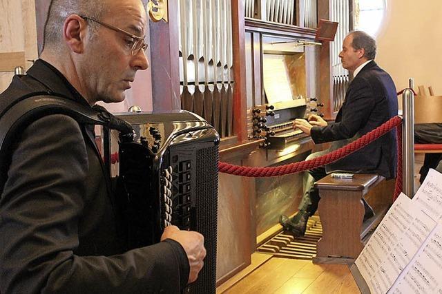 Wenn sich Orgel und Akkordeon zum Rendezvous treffen