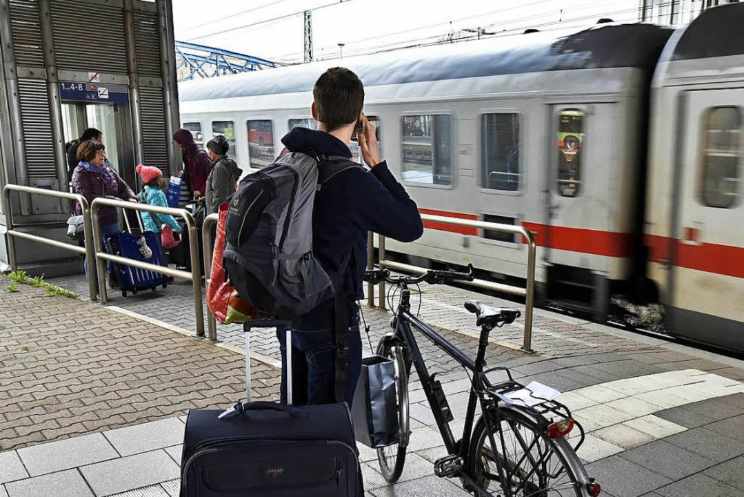 Wie komme ich nach der Ankunft am Gleis in Freiburg weiter?  | Foto: Thomas Kunz