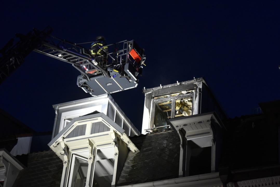 Das Dachgeschoss war mit der Drehleiter zu erreichen.  | Foto: Thomas Kunz