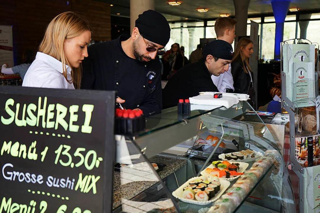 Bei Schwarzwald-Sushi gibt es die raffinierten Esskunstwerke.  | Foto: Julius Wilhelm Steckmeister